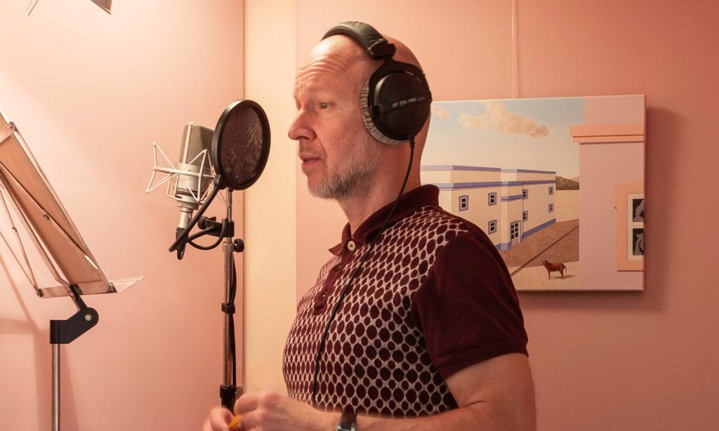 """Profiles: Ilari Hoevenaars – """"Ik heb een eigen toko rondom mijn stem."""""""