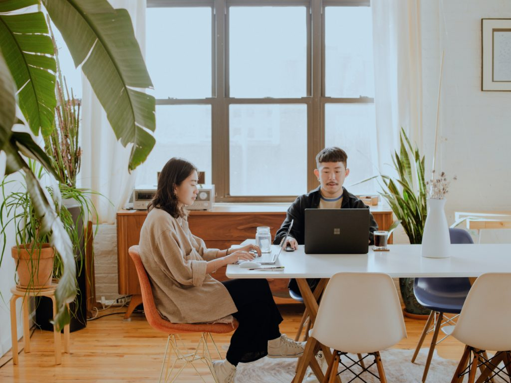 How to manage your collaborations with other freelancers